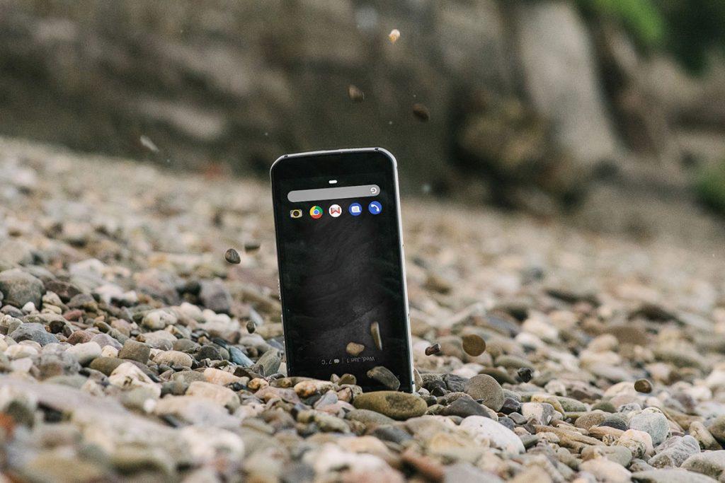 The 9 Best Outdoor Smartphones in Comparison