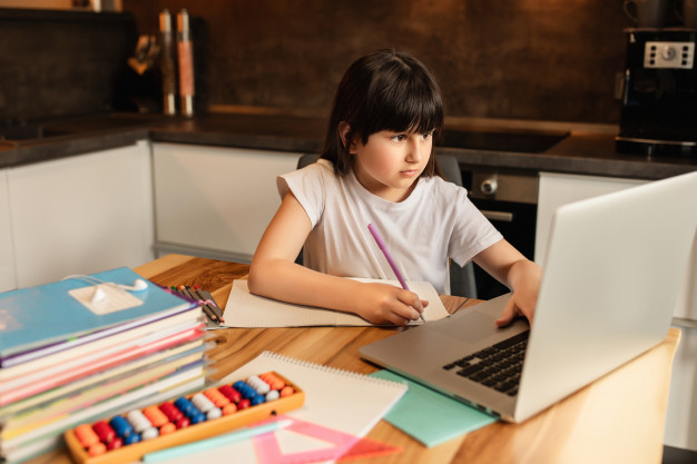 6 Things to Consider When Buying a Homeschooling Laptop